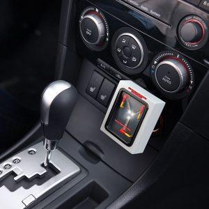 Caricatore USB nell'auto