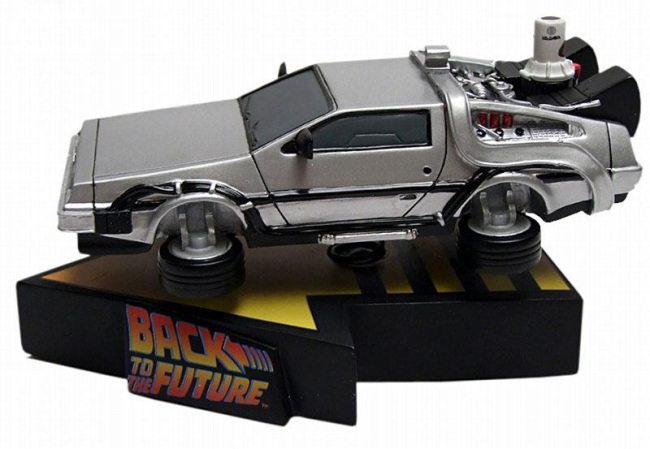 DeLorean BTTF 2 - Factory Ent
